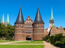 Holstentor Luebeck2